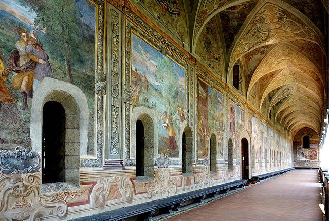 640px-Naples_santa_chiara_cloitre_fresques